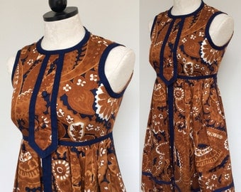 1960s Mod Mini Dress with Empire Waist by Geoffrey Beene. Size X Small. 60s Babydoll Dress. Vintage Designer Mini Dress.