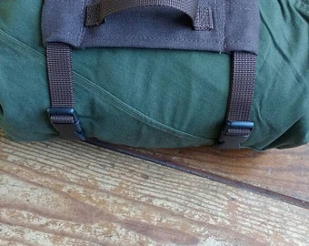Bedroll straps, tent straps, Holding straps can be attached on every reefknot backpack
