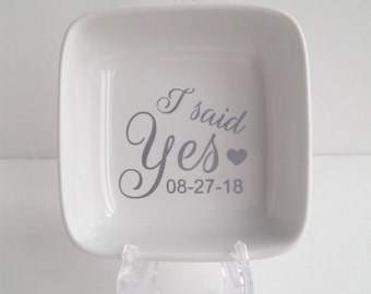 Engagement Ring Holder - Several Colors - Ring Holder - FREE SHIPPING