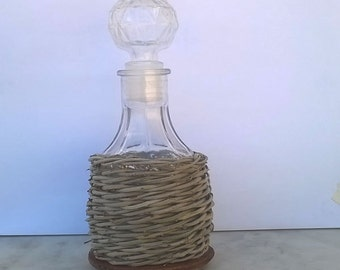 Hand woven bottle (by Cesthobby)