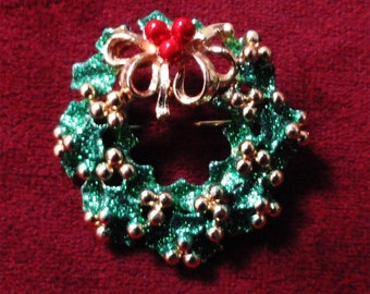 vintage Christmas wreath brooch / pin / vintage goldtone from the 1980s