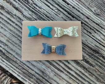 Set of three bows