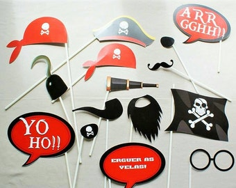 Pirate's Photobooth  Photo props Pirates  Pirates party