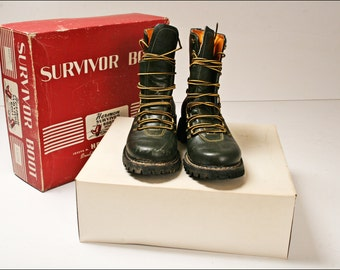 Vintage HERMAN SURVIVOR BOOTS Mens 8 Dark Green leather steampunk w Original Box motorcycle lace up jungle combat drab olive cold weather