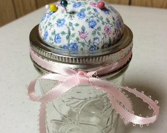 Jelly Jar Pincushion/pin storage