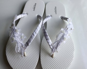 Bridal Lace Flip Flop, Bridal Sandals, White Flip Flops, Beach Wedding Sandals, Wedding Flip Flops, Wedding Destination Sandals
