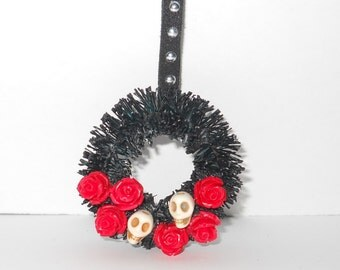 1:12 OOAK Halloween Wreath - Black With Red Roses and Skulls