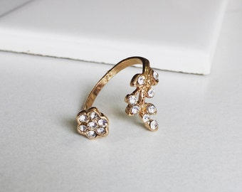 Hammered Flower Gold Ring