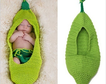 Little Pea in a Pod Photo Prop