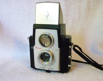 Brownie Starflex Outfit Film Camera and Flash Kit