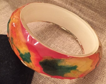 Vintage lucite bangle with watercolor motif