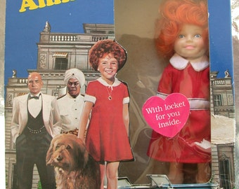 Annie doll 1982 MINT