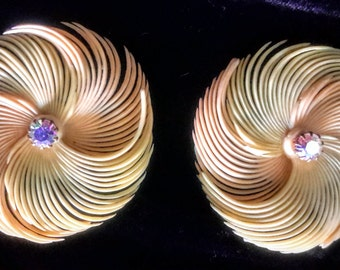 1950's pinwheel clip earrings with rhinestone centers