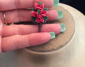 Vintage Pink Roses Bouquet Tac Pin