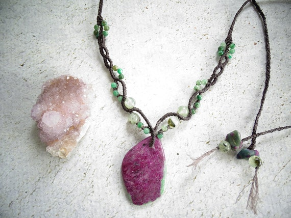 Large Ruby in Zoisite w/ Green Kyanite& Prehnite Macrame Necklace,Fairy,Woodland Elf,Boho,Hippie,Gypsy,New Age,Tribal,Zen,Festival,マクラメネックレス