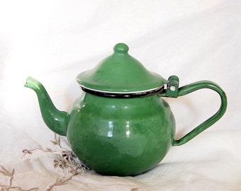Vintage enamel kettle,Vintage teapot,Cottage Chic Green Kettle,kitchen decor,70s