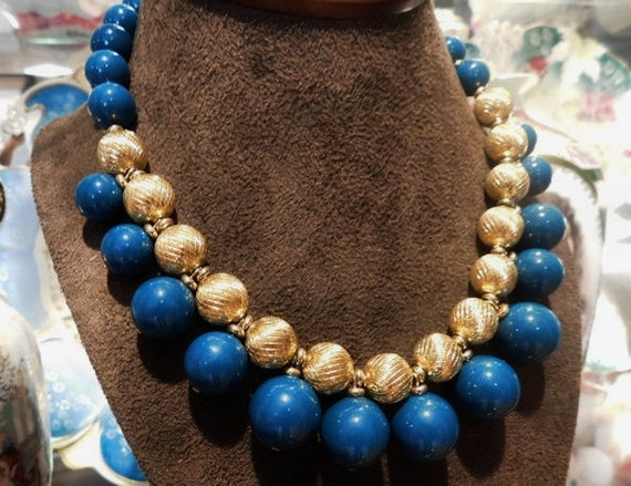 Vintage Napier Necklace Choker 1980s 80s Chunky Bold Articulated Teal Blue Resin Balls Beads Embossed Textured Gold Tone Metal Balls Beads