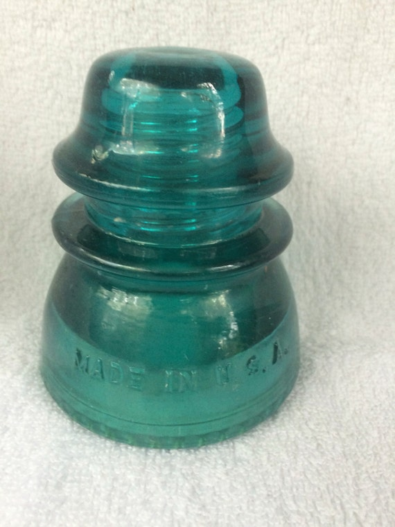 Vintage glass insulator collectible glass vintage blue for Collectible glass insulators