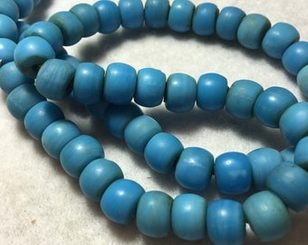 "21"" Vintage 10 mm. Light Blue Opaque Glass ""Padre"" Trade Bead Strand #0052"