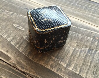 Vintage jewelry ring box Winchester