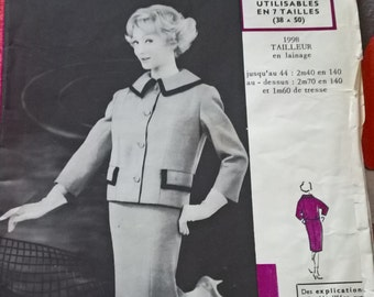 """Fabulous 60's french vintage sewing pattern - """"Patrons Modes & Travaux"""" 1998 Tailored suit jacket and skirt  woman cut size 44  / size 16"""