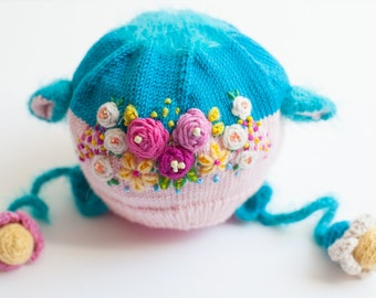 Knit hat, Flower hat, Winter hat, Blue hat, Pink hat, Knit flowers, Embroidery flowers, Baby hat, Newborn baby, Baby present, Cute hat