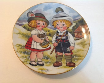 Dolly Dingle World Traveler Plates Series 1 First Edition 1981