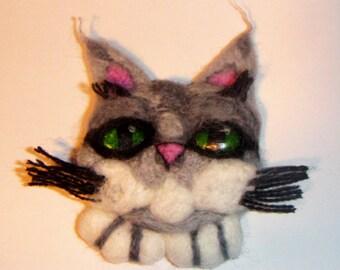 Woolen brooch - cat