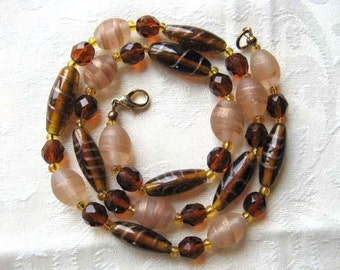 Lovely vintage 1950s Venetian glass necklace
