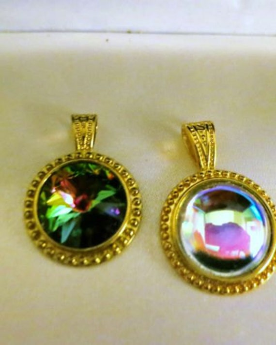 2 lovely vintage 1970s goldtone crystal iridiscent pendants