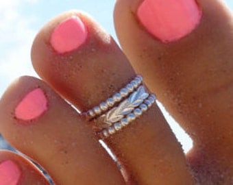 Hula & Bee Band Stack Toe Rings in .925 Sterling Silver or 14k Gold- 3 Rings: Diamond Cut Hula Lei and Two Bee Bands