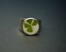 Four clover jewelry Eco ring with real dried clover  Resin ring Eco Resin Botanical Jewelry Nature Ring Green color Gift Lucky Clover