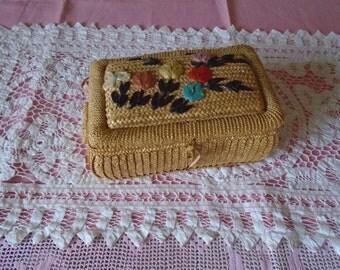 vintage woven straw sewing basket raffia design