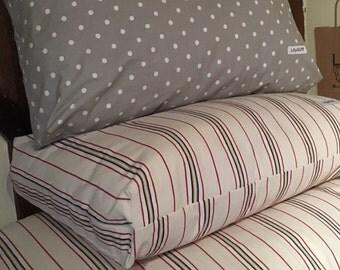 Medium Cat or Dog Bed