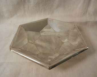 Very nice serving plate in stainless steel with geometric & Retro shape