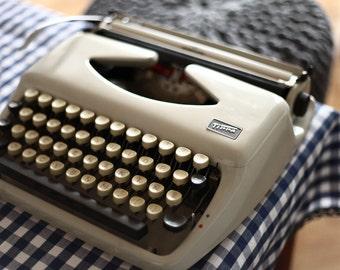 Working Typewriter 1967s Tippa(Spanish&English type) Free Shipping Worldwide