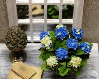 """Hydrangea Miniature """"Bleufoncé"""", plant - scale 1/12 - Decoration for Dollhouse accessory"""