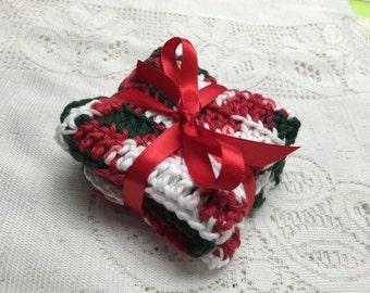 2 crochet cotton washcloths