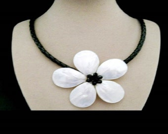 Mother of Pearl flower, black - white, necklace, necklace, necklace with magnetic clasp