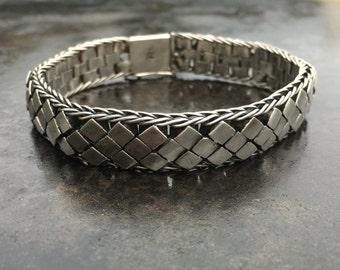 Heavy vintage Bali silver bracelet floating basket weave pattern