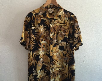 1980s medium Hawaiian rayon shirt vintage