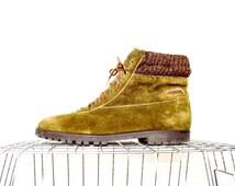 vintage ankle booties 7 / vintage suede boots / leather boots / vintage chelsea boot / green leather boots