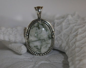 Green Tree Agate Oval Pendant.  Size  18mm x 25mm  No chain included.