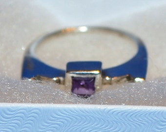 R015 Vintage Solid Sterling Silver Amethyst in Squared Setting - Modern Ring - Size 6.75