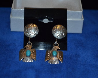 E-022: 4g Vintage Solid Silver Native American Eagle with Turquoise Sterling Post Earrings