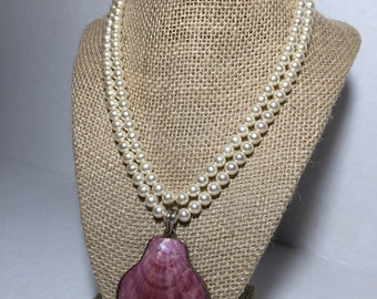 Beautiful seashell and pearl necklace