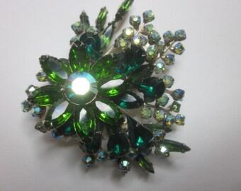 Vintage Ring Stone Geen Flower Brooch Pin