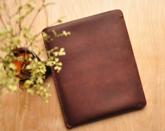 Treibholz Personalised Leather iPad Case / Pouch / Tablet / Surface / Ebook / Reader / Kobo / Kindle Sleeve in Brown