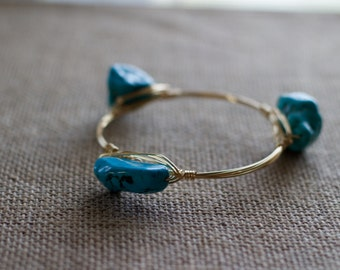 Chunky Turquoise Stone Beaded Wire Bangle
