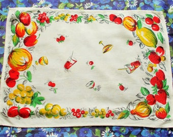 Vintage printed cotton tray cloth - 1950's - Fruit and Drinks - used